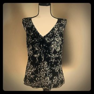 LOFT | Black & White Sleeveless Blouse | Size 8